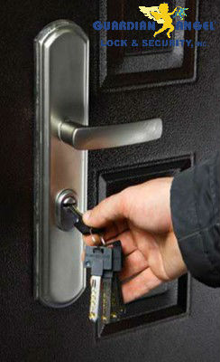 Residential Locksmith Picture 1
